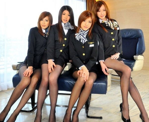 Обнажённые японские стюардессы (30 фото) НЮ