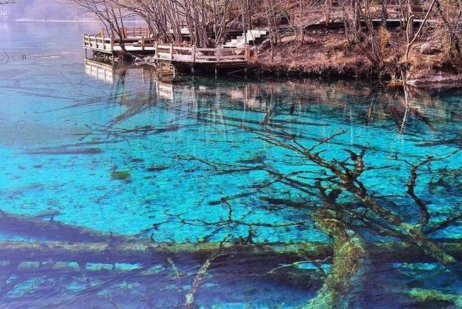 Красота озера Пяти цветов (9 фото)