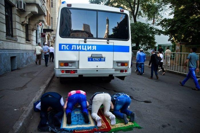 Празднование Ураза-Байрам в Москве (37 фото)