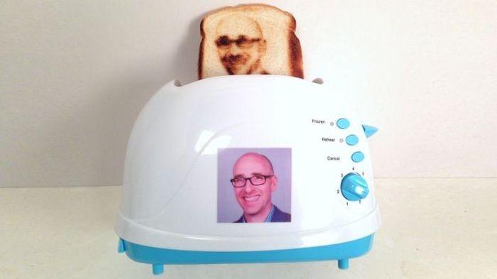 Утренние тосты со своей фотографией (6 фото)