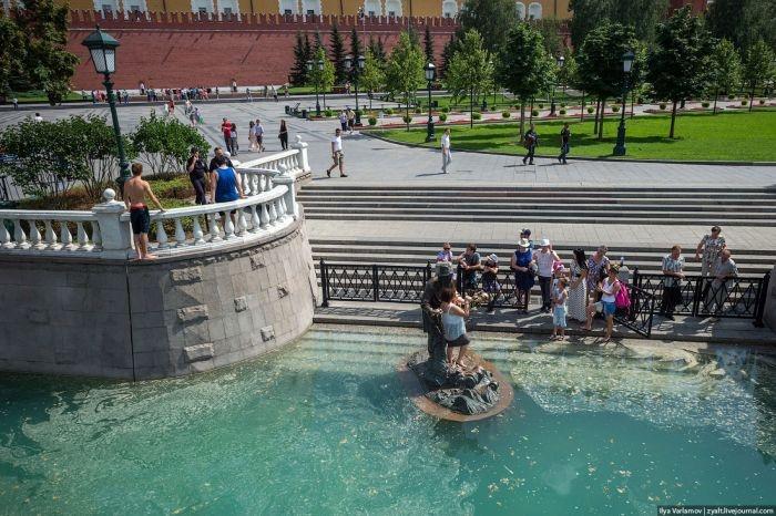 Как проходит Московская жара +35 (28 фото)