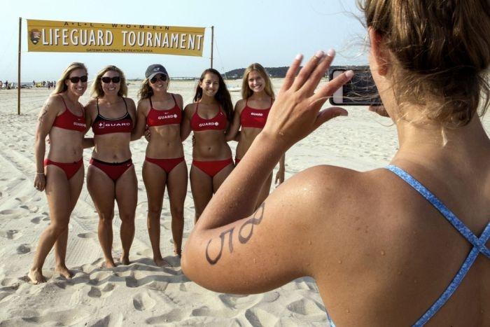 Ежегодный турнир девушек-спасателей (12 фото)