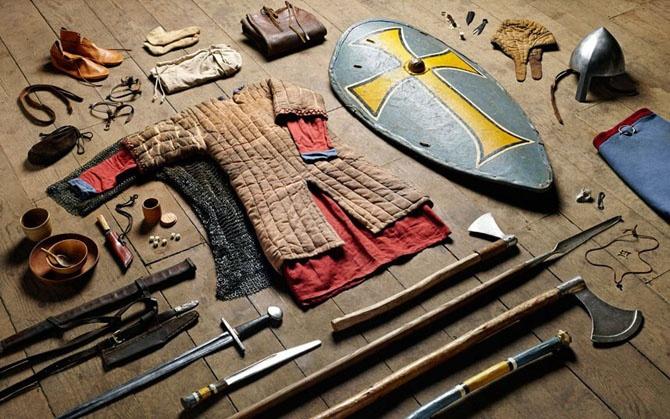 Полное боевое снаряжение британских солдат от 1066 до 2014 года