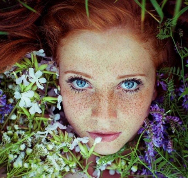 Очаровательные девушки с веснушками (27 фото)