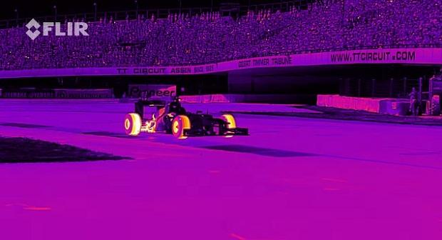Дрифт болида «Формулы-1» в инфракрасном спектре