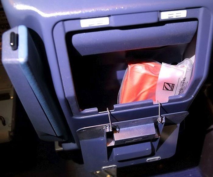 Как работает кресло пилота авиалайнера Airbus-320 (14 фото)