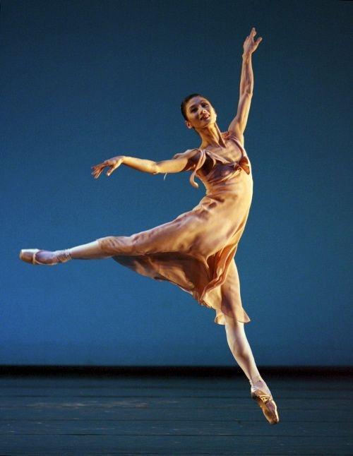 Профессиональный недуг балерин ЖЕСТЬ!!! (4 фото)