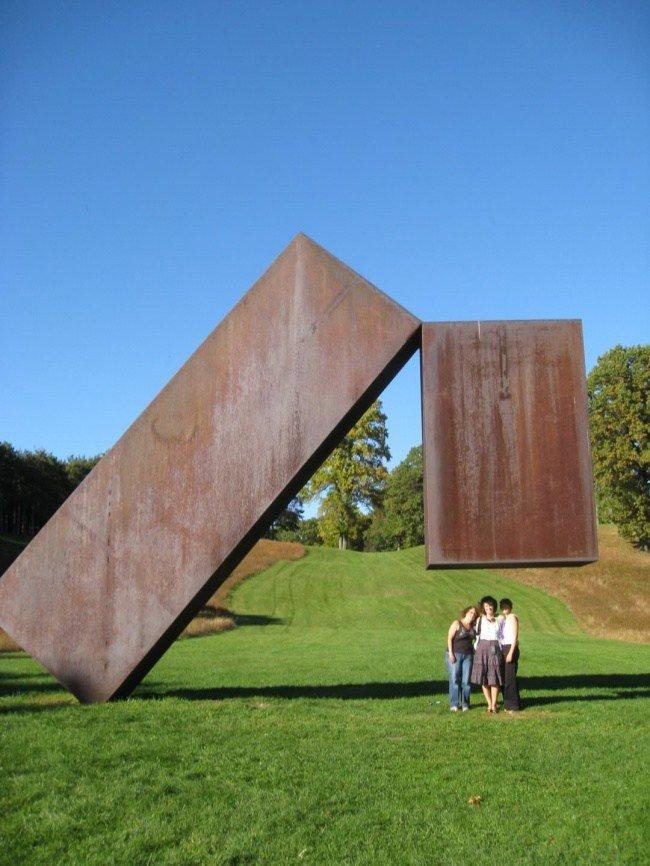 20 скульптур, которые бросают вызов гравитации