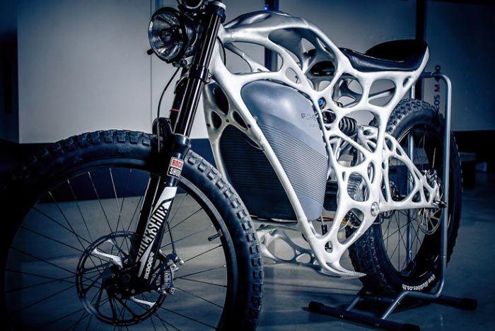 В Германии начался прием заказов на напечатанный на 3D-принтере электроцикл (6 фото)