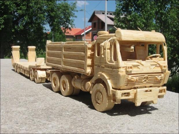 Автомобили и техника из спичек