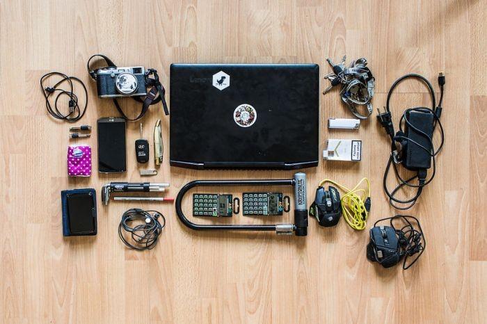 Что находится в рюкзаках хакеров