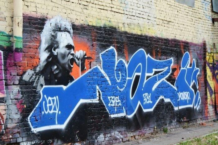 В Москве восстановили граффити Константина Кинчева и группы «Алиса»