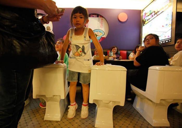 Туалетный ресторан в Китае - Приятного аппетита!