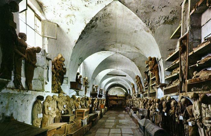 Музей мертвецов в Палермо (28 фото)