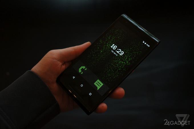 Элитный смартфон с самой совершенной защитой (18 фото)