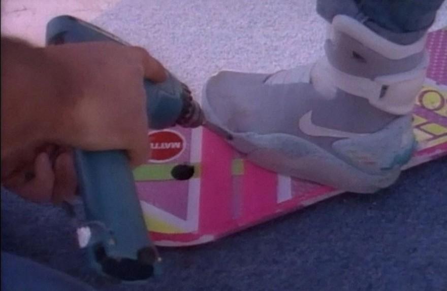 Как снимали летающие скейты в «Назад будущее»