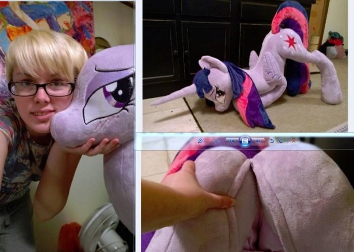 """Плюшевые игрушки взрослых фанатов """"My Little Pony"""""""
