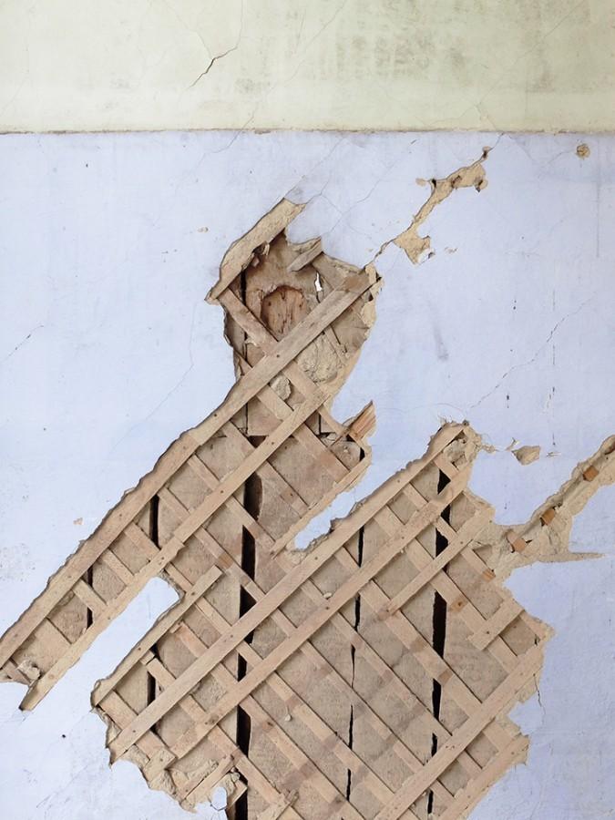 Стены заброшенных советских зданий