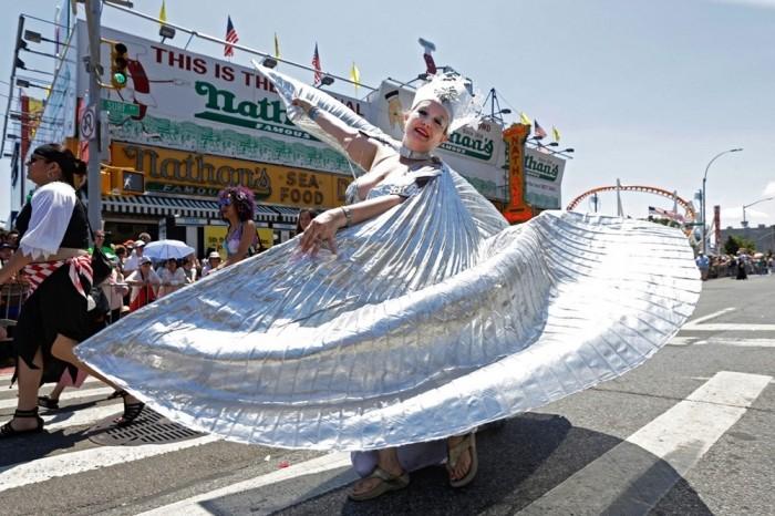 Парад русалок в Бруклине 2016