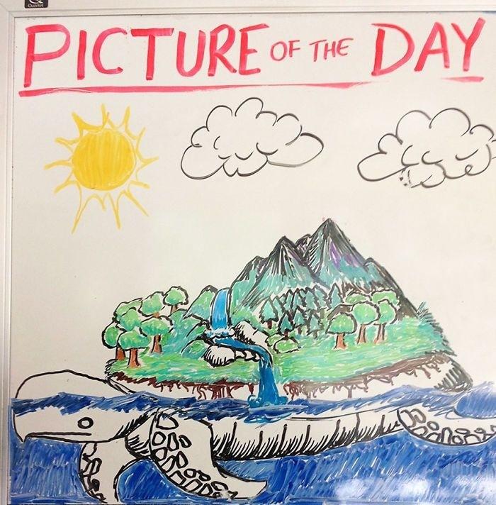 Учитель каждый день рисует новую картину для студентов
