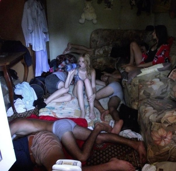 Молодежные пьянки (30 фото)