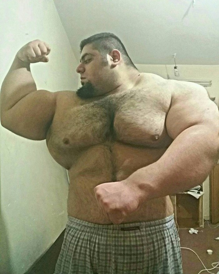 24-летний Халк из Ирана