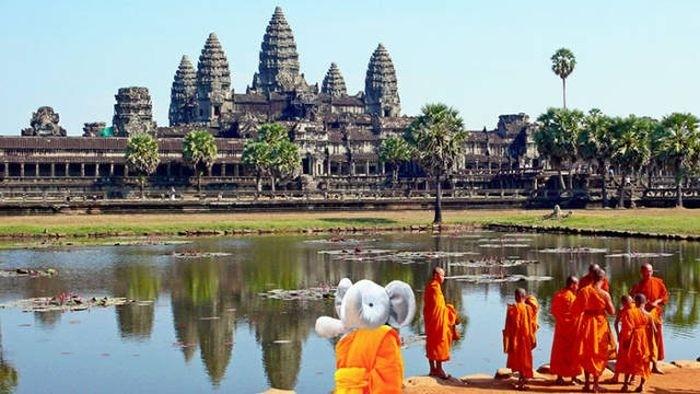 Игрушка, «путешествующая» по миру