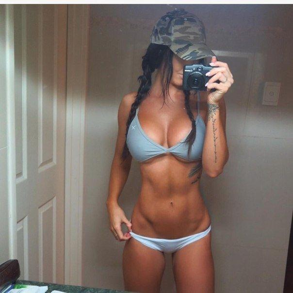 Стеф Пакка - сексуальная фитнес-модель из Австралии