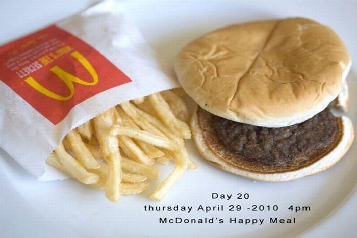 137 дней гамбургеру (10 фото)
