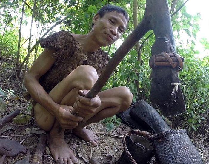 Двое жителей Вьетнама более 40 лет прятались в лесу от американских бомбежек