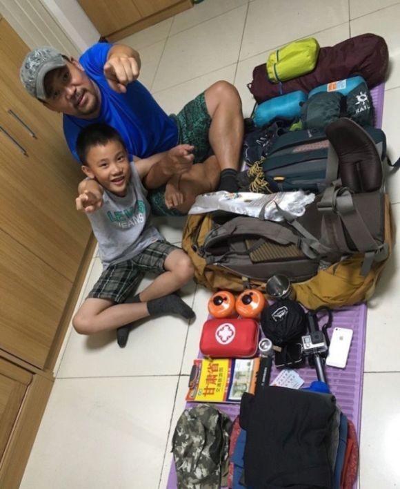Отец с сыном отправился в пешее 600-километровое путешествие