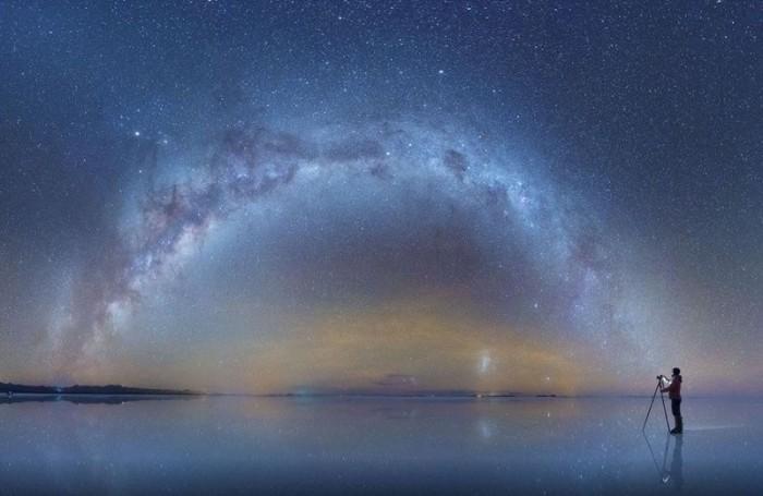 Отражение Отражение Млечного Пути в солончаках Боливии