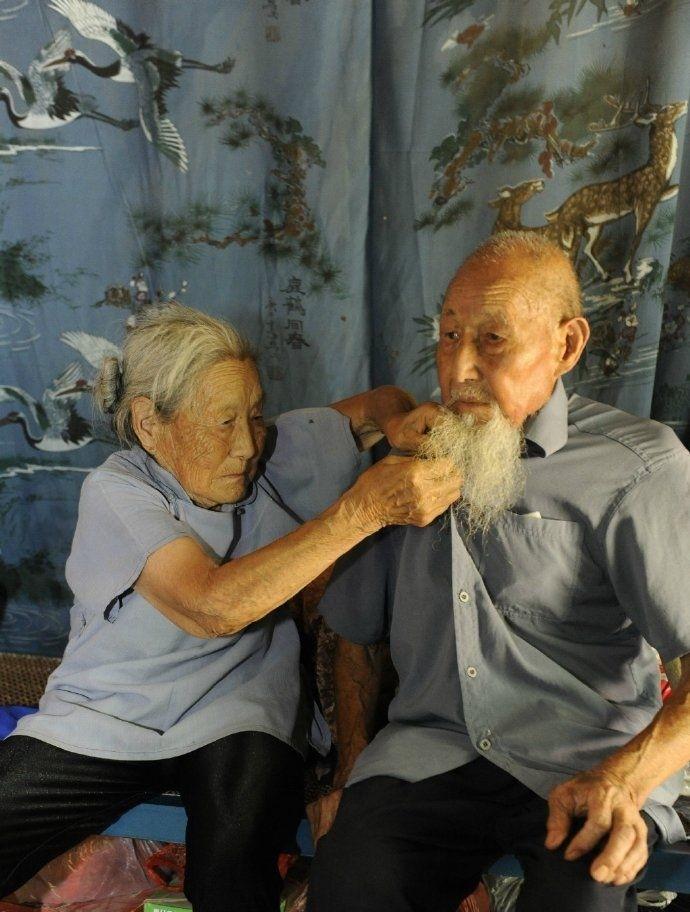Первые свадебные фото после 80 лет брака