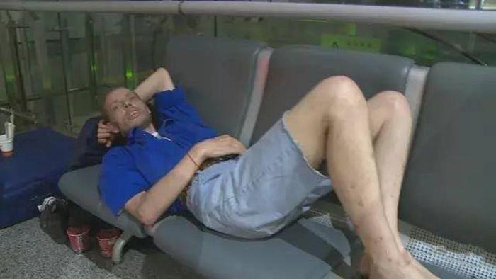 Голландец 10 дней ждал в аэропорту девушку с сайта знакомств