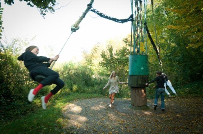 Итальянец в одиночку построил парк аттракционов в лесу (21 фото)