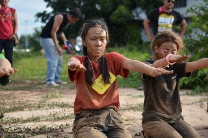 Суровое «посвящение» тайских первокурсников