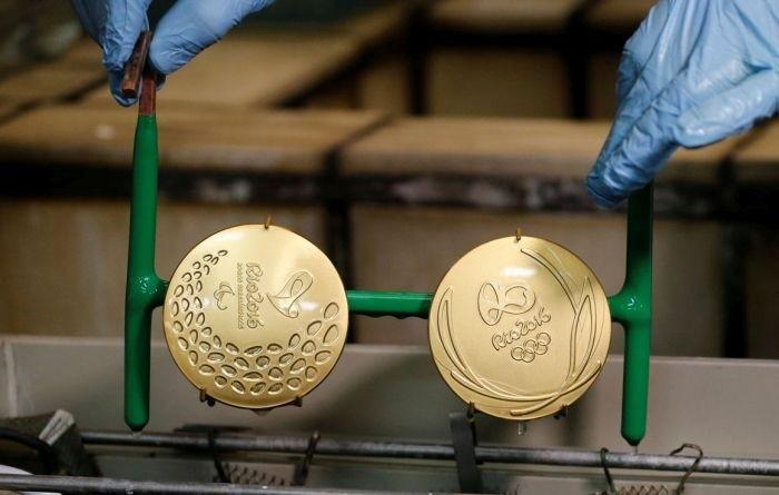 Как делают золотые медали для Олимпиады в Рио