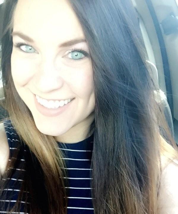 Симпатичные темноволосые девушки со светлыми глазами