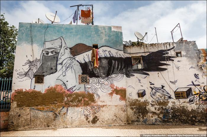 Крутые граффити Касабланки (11 фото)