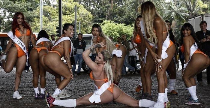 Участницы конкурса «Мисс Бум-Бум» спровоцировали пробку в Сан-Паулу