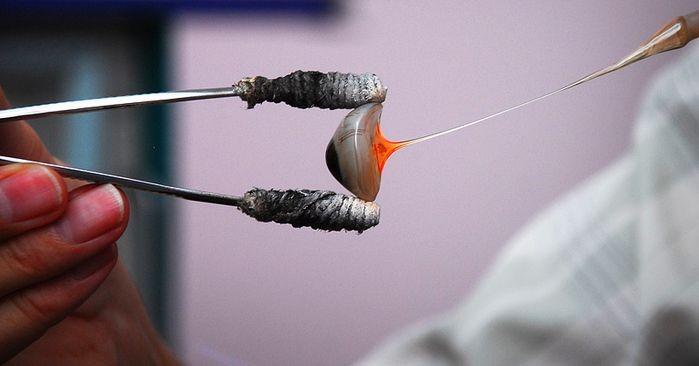Производство стеклянный глазных протезов (11 фото)