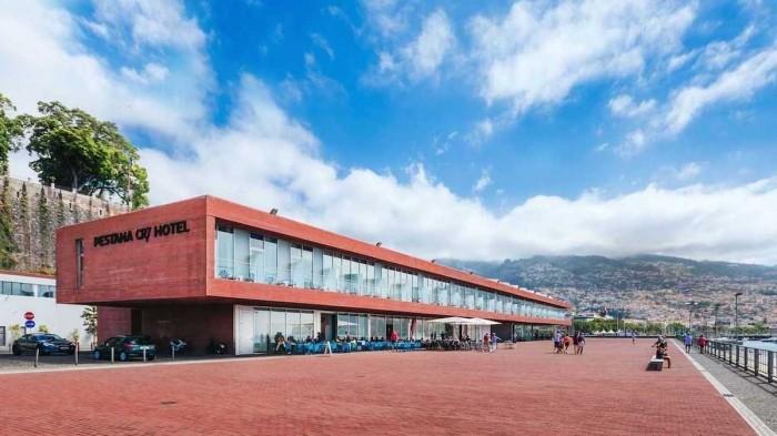 Отель в футбольном стиле, который Криштиану Роналду открыл у себя на родине