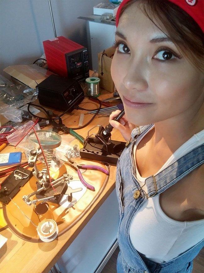 SexyCyborg - китайская любительница высоких технологий