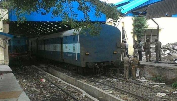 Грабители проделали дырку в вагоне поезда и украли изъятые из оборота деньги