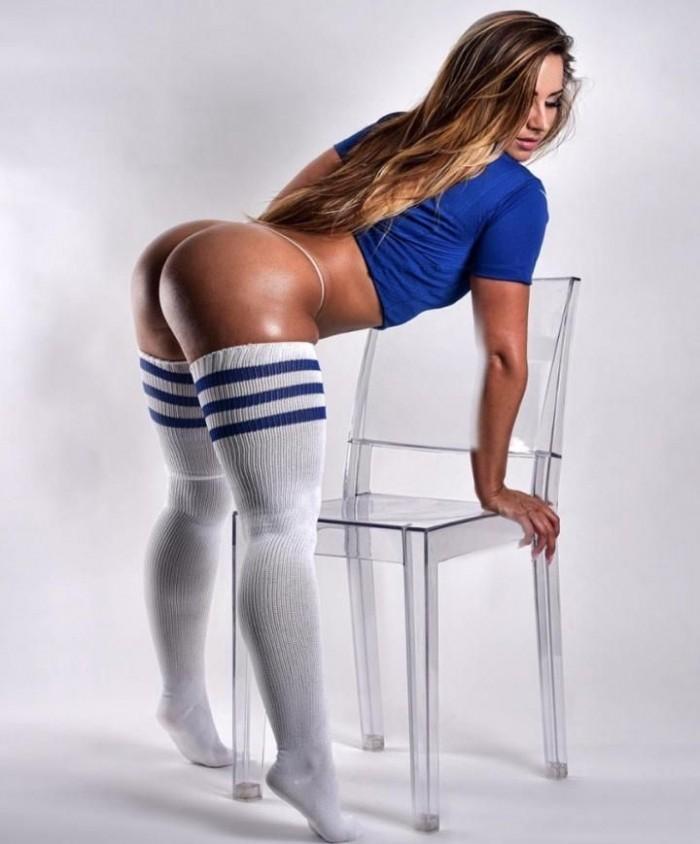 Жгучая 33-летняя фитнес-модель