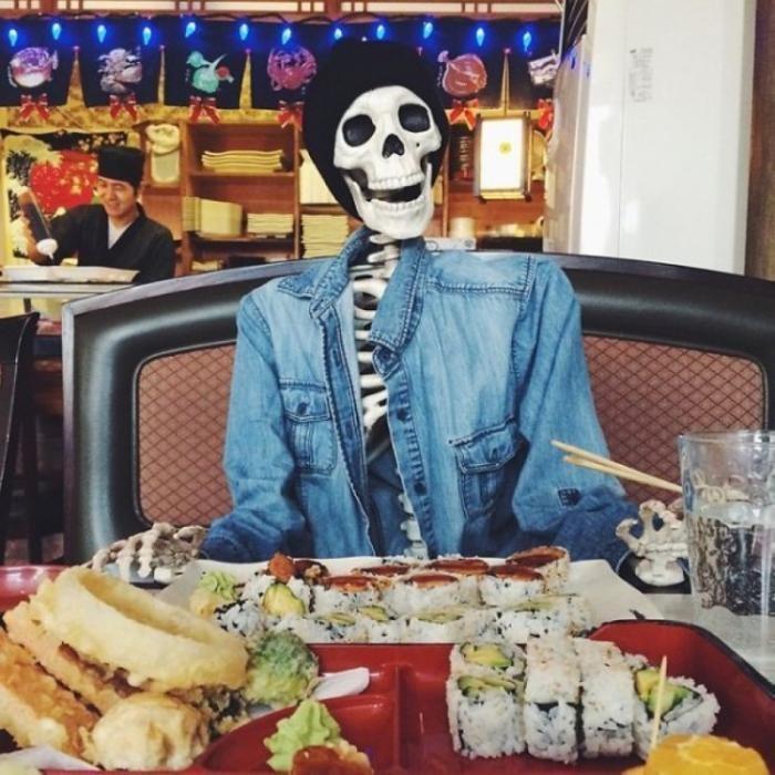 Даже у скелета есть свой instagram (15 фото)