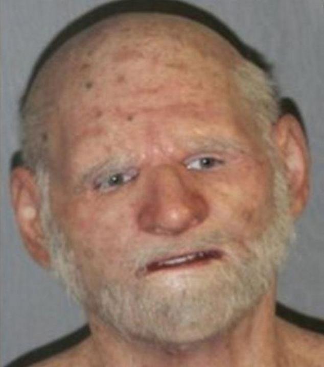 В США задержан наркоторговец в маске старика