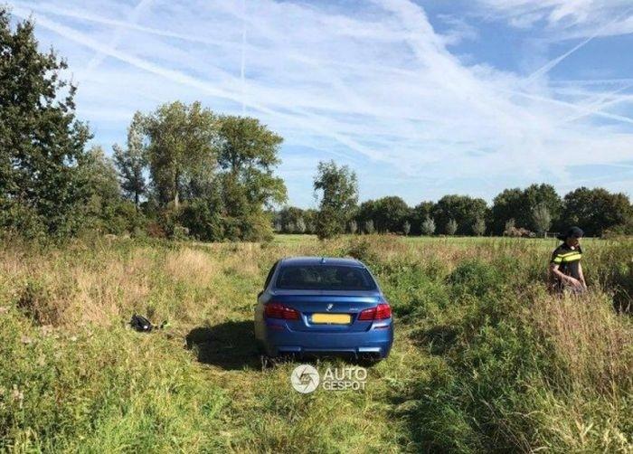 Угонщики раскурочили BMW M5