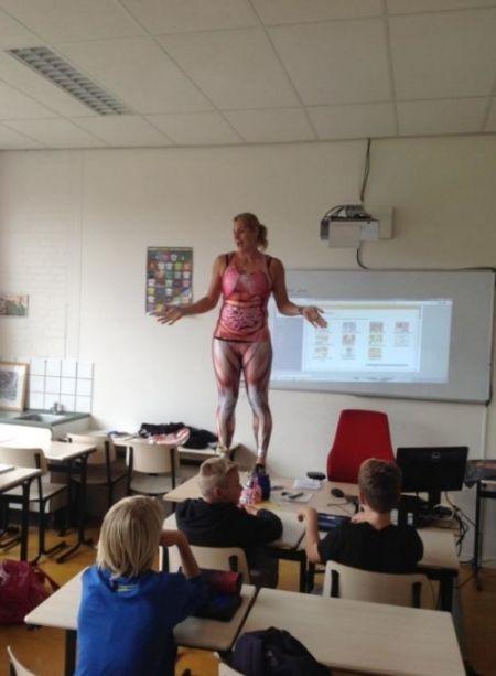 Преподаватели с отличным чувством юмора (17 фото)