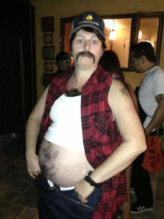 Беременные женщины готовятся к Хэллоуину